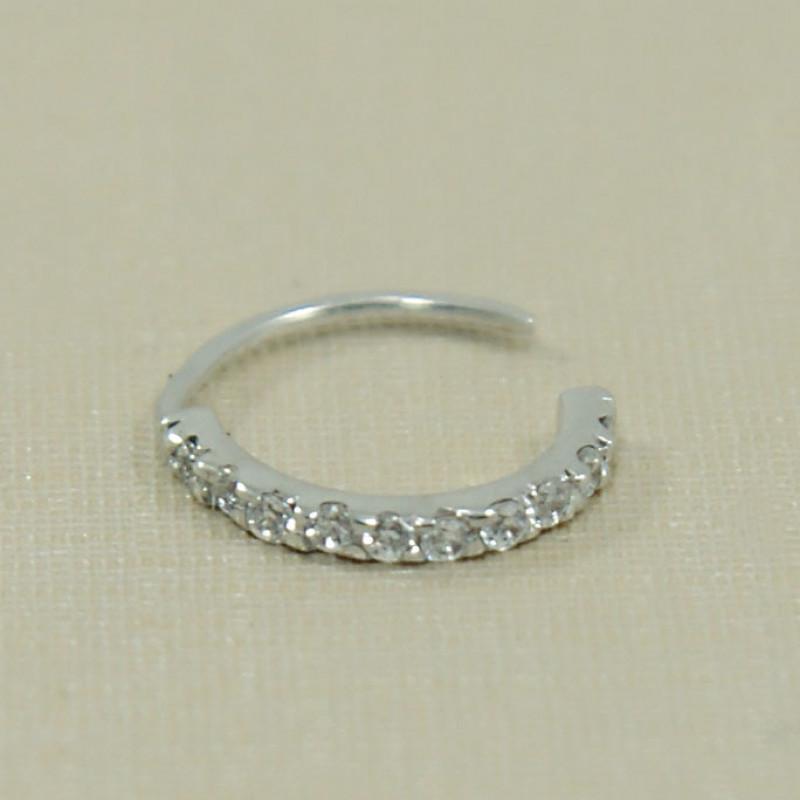 6e43cec7f7d2 Piercing de Nariz em Ouro Branco 18K Argola com Diamantes