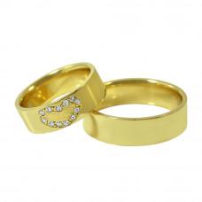 Aliança de Casamento em Ouro Amarelo 18K Reta com Coração e Brilhantes
